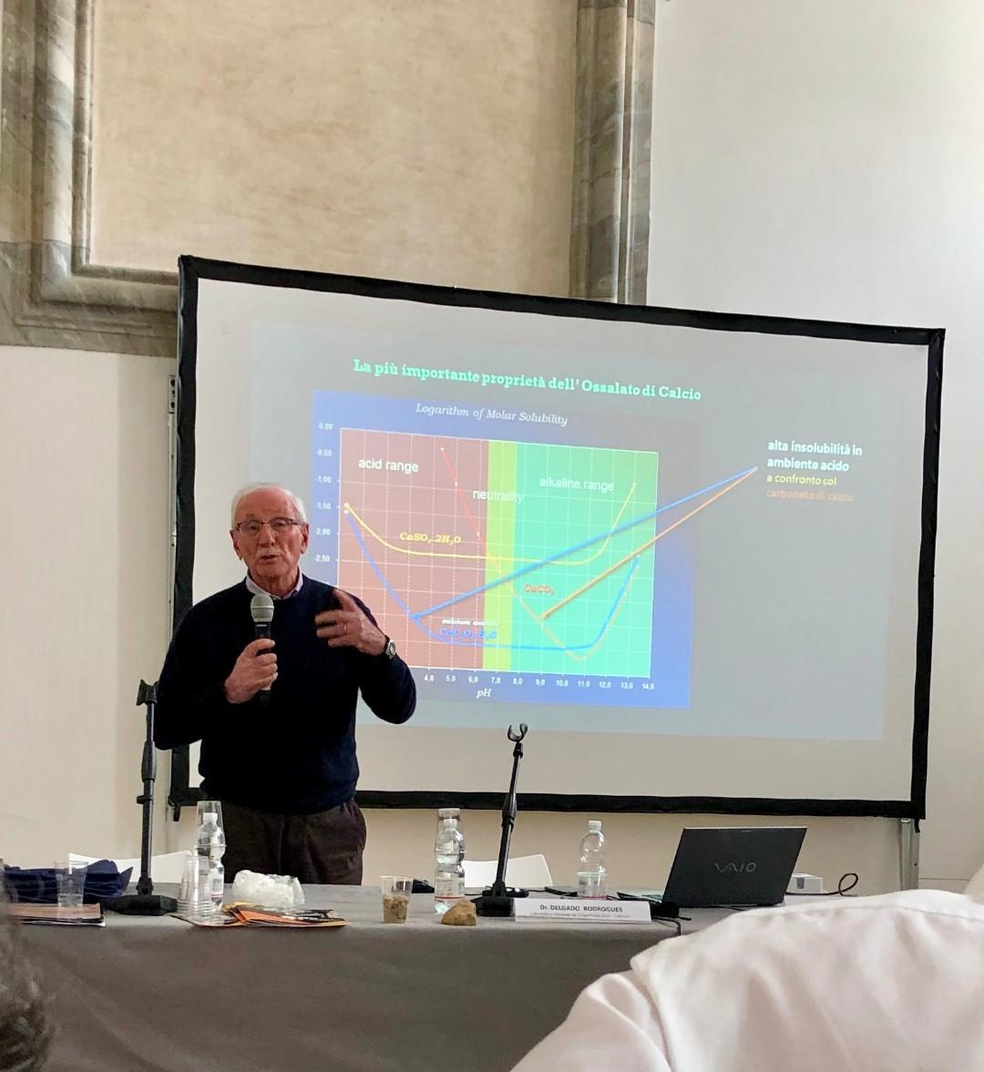 Mauro Matteini (Università di Firenze) - Soluzioni inorganiche; trattamenti nella pratica nei cantieri (fosfato e ossalto) (4)